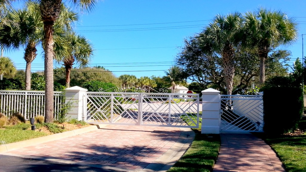 8 W. Sea Colony Drive Photo 3