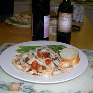 Shrimp with linguini and roasted cherry tomatoes